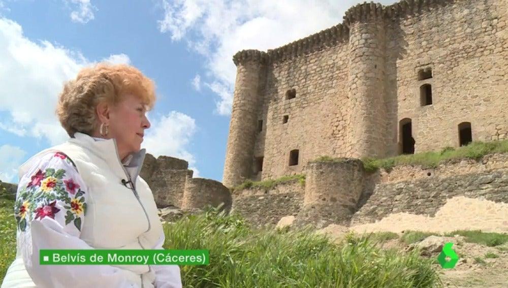 """Frame 20.082032 de: Una farmacéutica jubilada se compra un castillo porque se enamoró de él: """"Siempre he tenido dinero ahorradito para comprar un castillo"""""""
