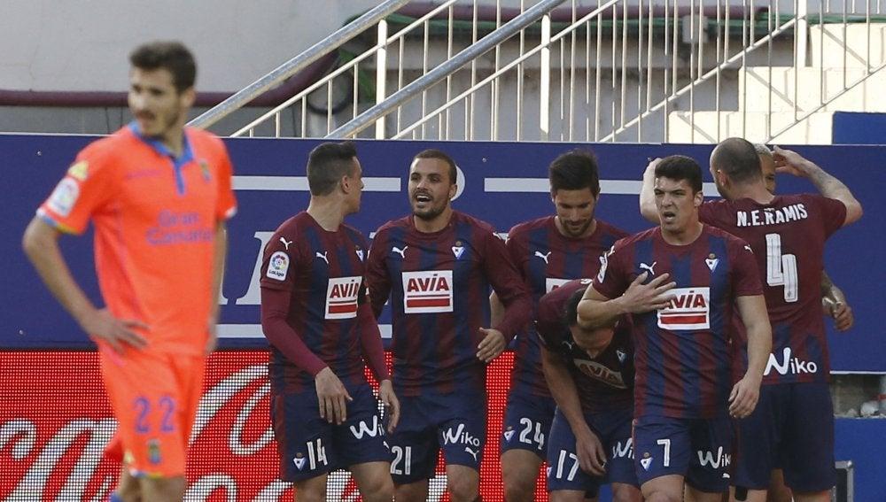 Los jugadores del Eibar celebran un gol en Ipurúa