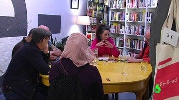 Frame 1.518128 de: musulmana y feminista