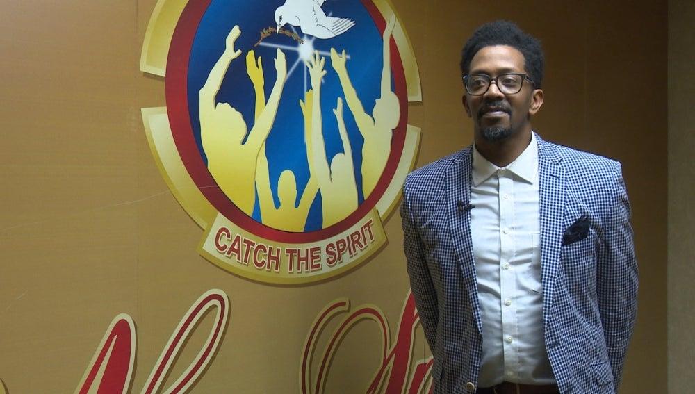 Marcus Coleman, pastor en la Iglesia del Renacer el Nuevo Espíritu