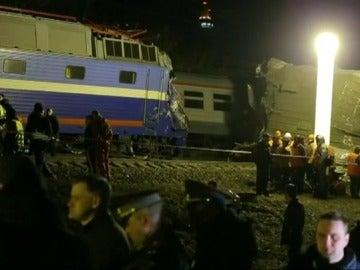 Un choque de trenes al oeste de Moscú causa al menos 31 heridos