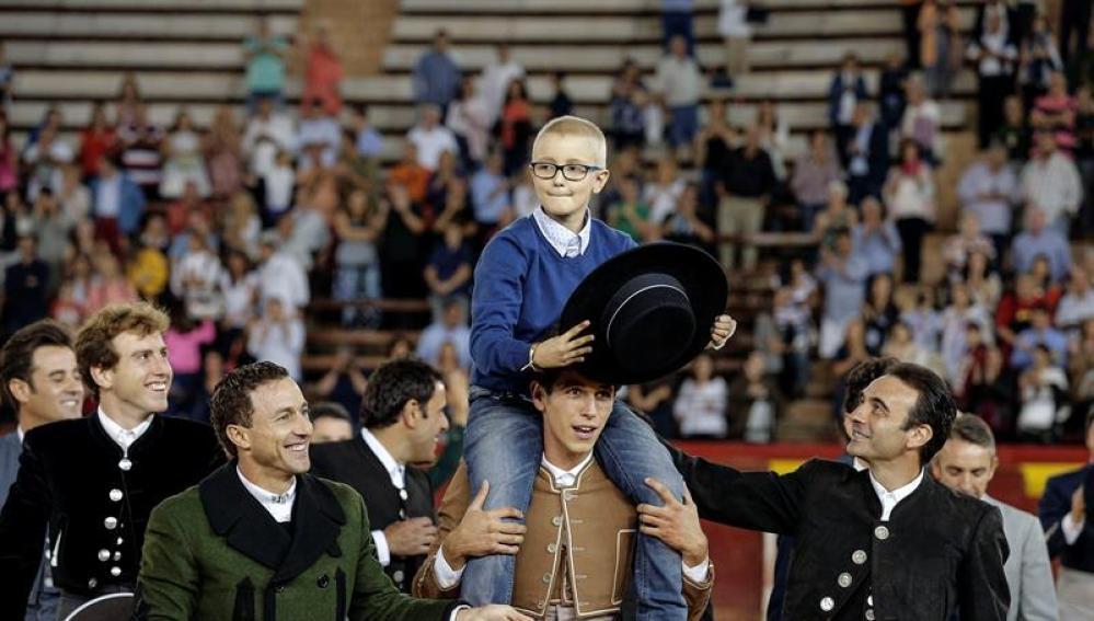 El mundo del toreo muestra sus condolencias por el fallecimiento de Adrián Hinojosa