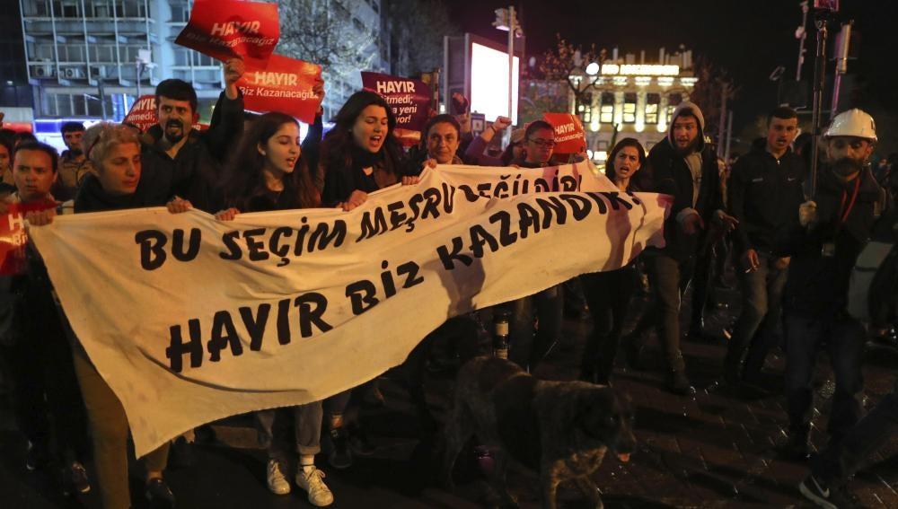 Protestas contra el referéndum en Turquía