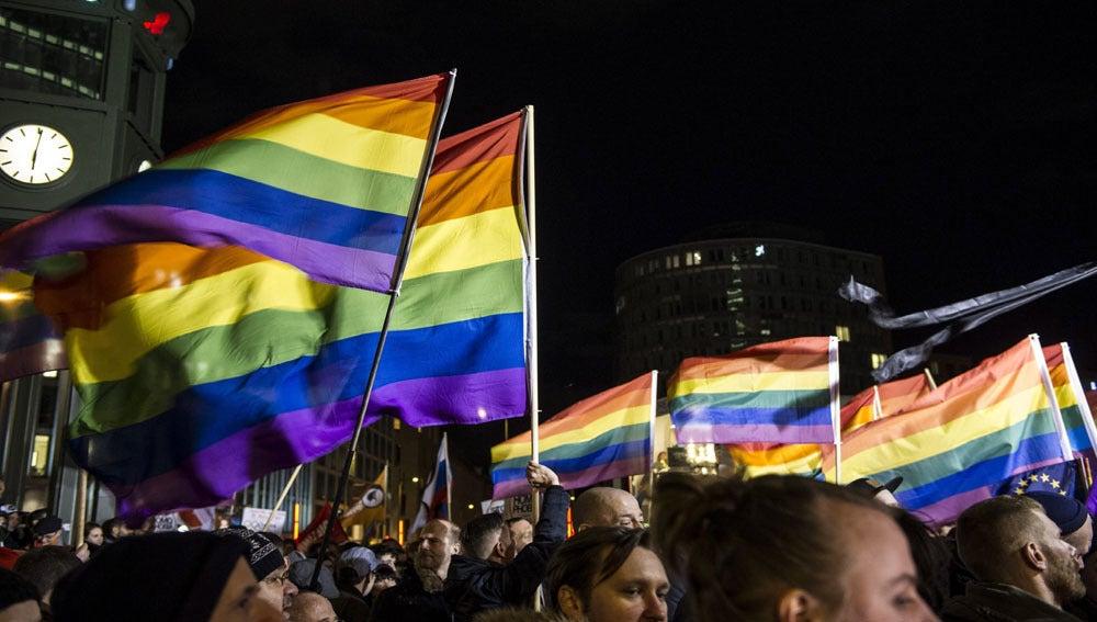 Concentración a favor de los derechos LGTBI en Rusia