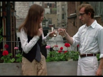 Frame 160.651323 de: 'Annie Hall', la obra maestra de Woody Allen en la que desnudó su alma para mostrar su fascinación por Diane Keaton