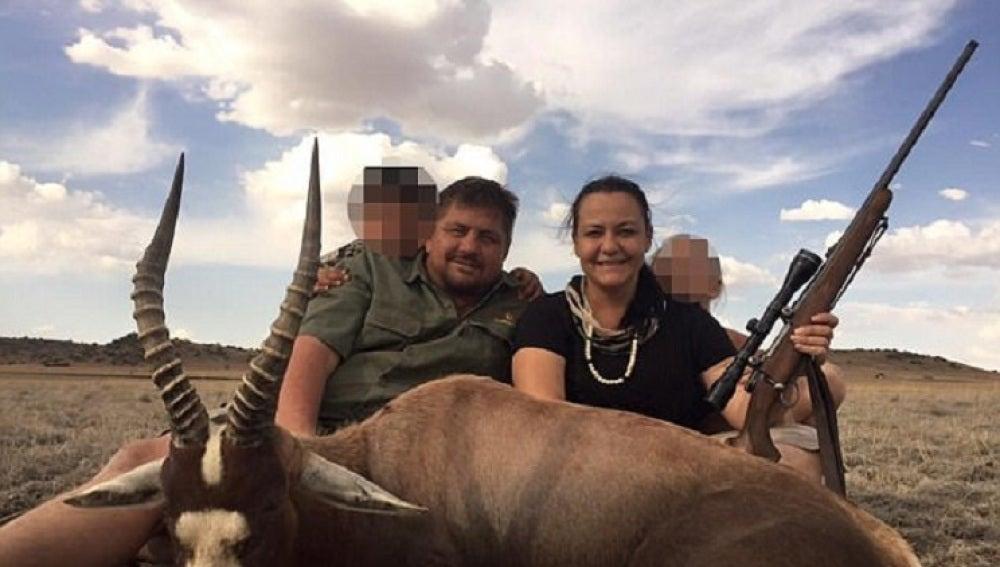 El cazador Scott Van Zyl