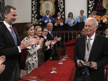 Eduardo Mendoza recibe el Premio Cervantes