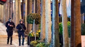 Dispositivo policial en los Campos Elíseos