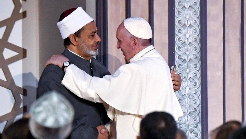 El papa Francisco con Sheikh Ahmed al-Tayeb