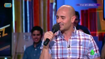 Alain Hernández canta como Serrat