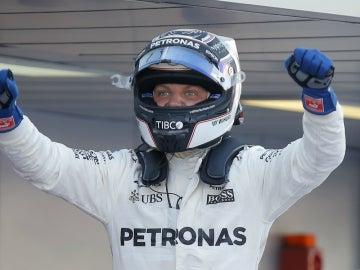 Bottas celebra una victoria