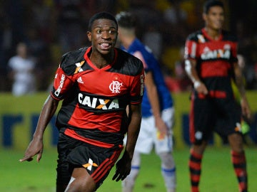 Vinicius Jr. celebra un gol con el Flamengo