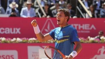 Pablo Carreño celebra un punto en Estoril