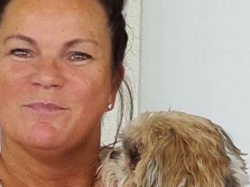 Mary Burguess con su perro