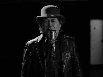 Frame 0.0 de: 500 Sabinas para una sola noche: vuelve a los escenarios el hombre del ataque de pánico, el rockero y el poeta