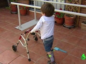 Menor con Atrofia Muscular Espinal