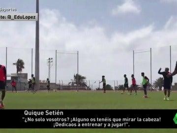 """Frame 27.563809 de: Bronca entre Boateng y Quique Setién en pleno entrenamiento: """"¡Alguno teníais que miraros la cabeza!"""""""