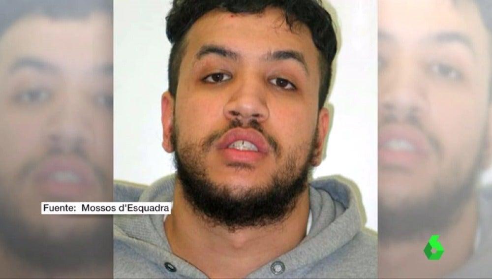 Frame 6.28596 de: Los mossos buscan a un preso fugado con multitud de antencedentes violentos