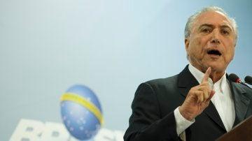 El expresidente de Brasil, Michel Temer, pronunciando el discurso