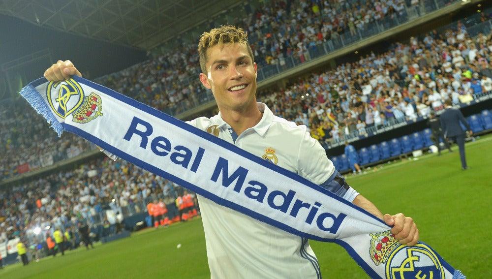 Cristiano Ronaldo celebrando el título de Liga
