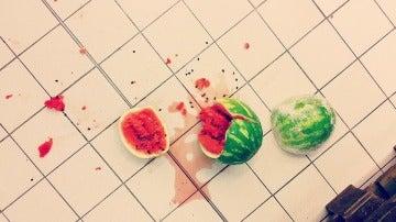 Cuidado si lo que se te cae es sandía o alimentos húmedos...