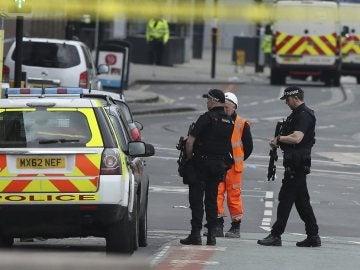 Dispositivo policial en torno al Manchester Arena