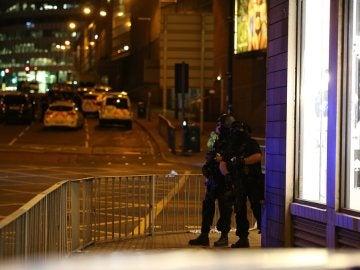 Dispositivo de seguridad en las inmediaciones del Manchester Arena