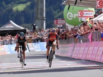 Nibali y Landa llegan a la meta del Giro de Italia