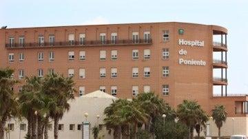 Fachada del hospital de Poniente, en Almería