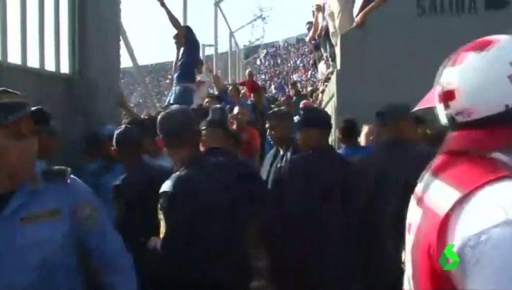 Estampida en un estadio de Honduras