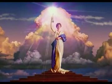 Una niña confunde la cabecera de Columbia Pictures con la Virgen María