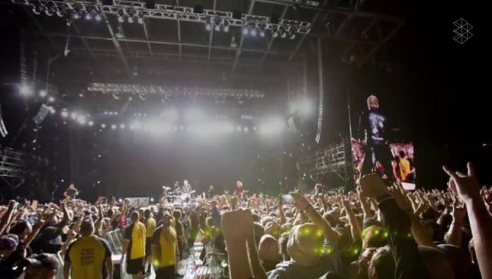 Frame 23.216511 de: Las excusas más extrañas de artistas para cancelar conciertos