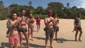 Los hombres de La Isla