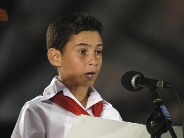 Elián González participando en un debate en La Habana