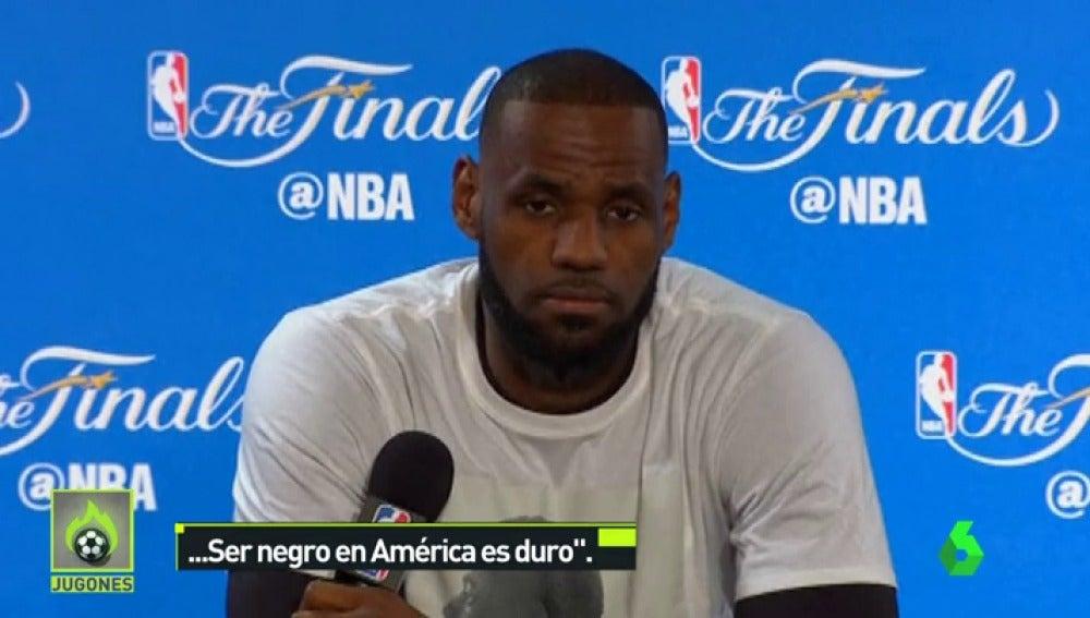 """Frame 13.545773 de: LeBron James, tras las pintadas racistas en su casa: """"Ser negro en América es duro"""""""