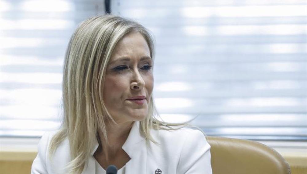 Cristina Cifuentes, al inicio de su comparecencia en la comisión de investigación