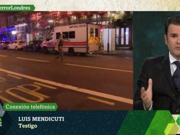 """Frame 23.183128 de: Luis Mendicuti, testigo del atropello en Londres: """"Hemos visto a policías pidiendo que la gente se metiese en hoteles"""""""