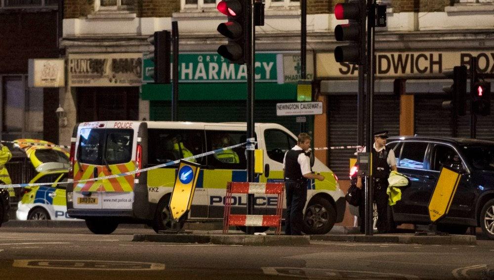 La policía de Londres acordona una zona cercana al Puente de Londres