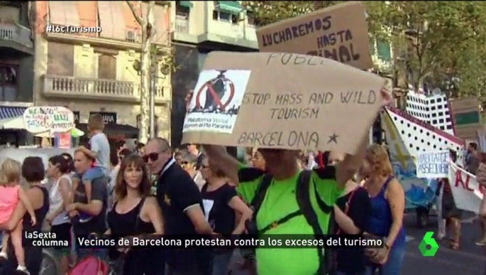 Frame 70.923809 de: Estas son las razones por las que los españoles están empezando a odiar a los turistas