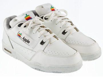 Zapatillas Apple subastadas