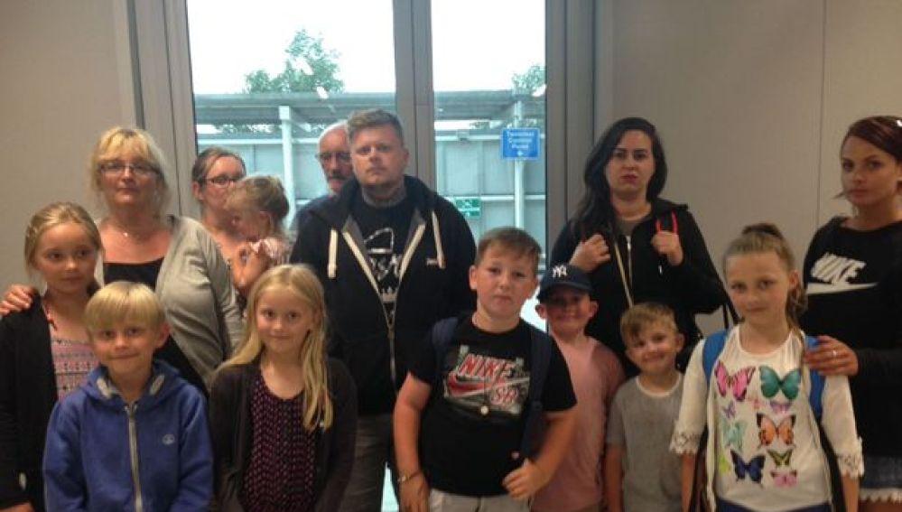 Algunos de los pasajeros que vivieron los momentos de terror en el avión de EasyJet