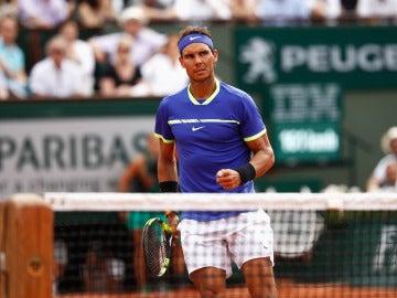 Nadal celebra un punto en la final de Roland Garros