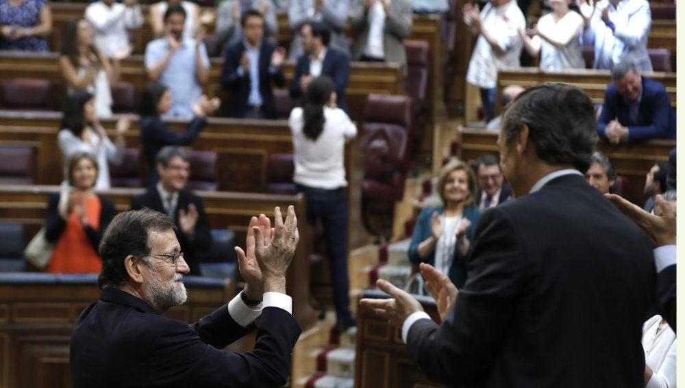 Mariano Rajoy y Pablo Iglesias, al término del debate