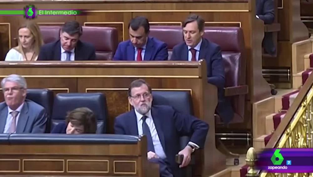 Rajoy, comiendo en la moción de censura
