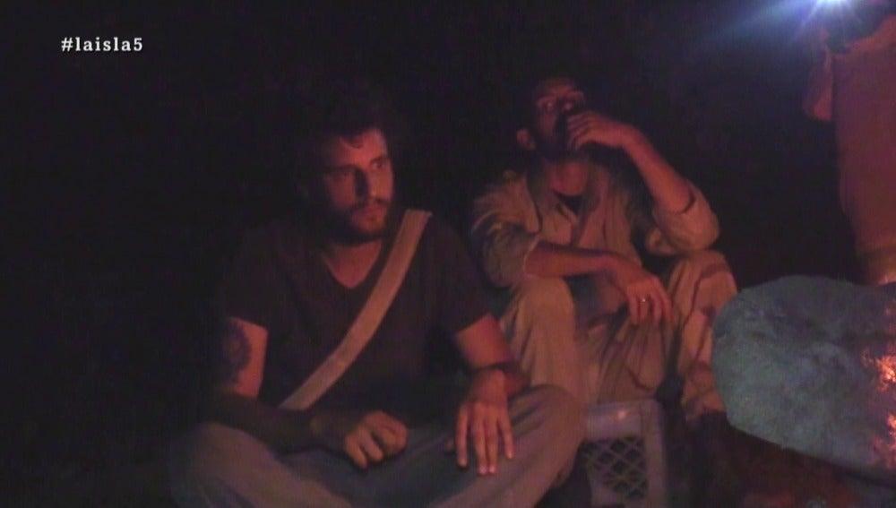 Santi y David en La Isla