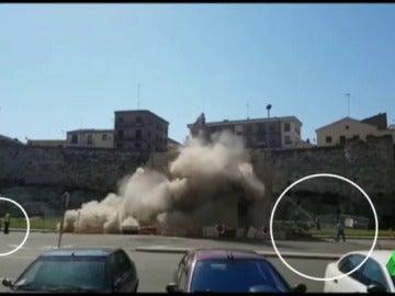 Derrumban un edificio en Zamora y los trabajadores tienen que salir corriendo