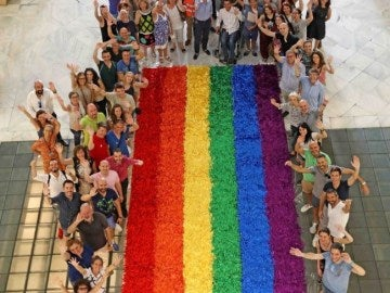 Bandera LGTBI del World Pride de Madrid