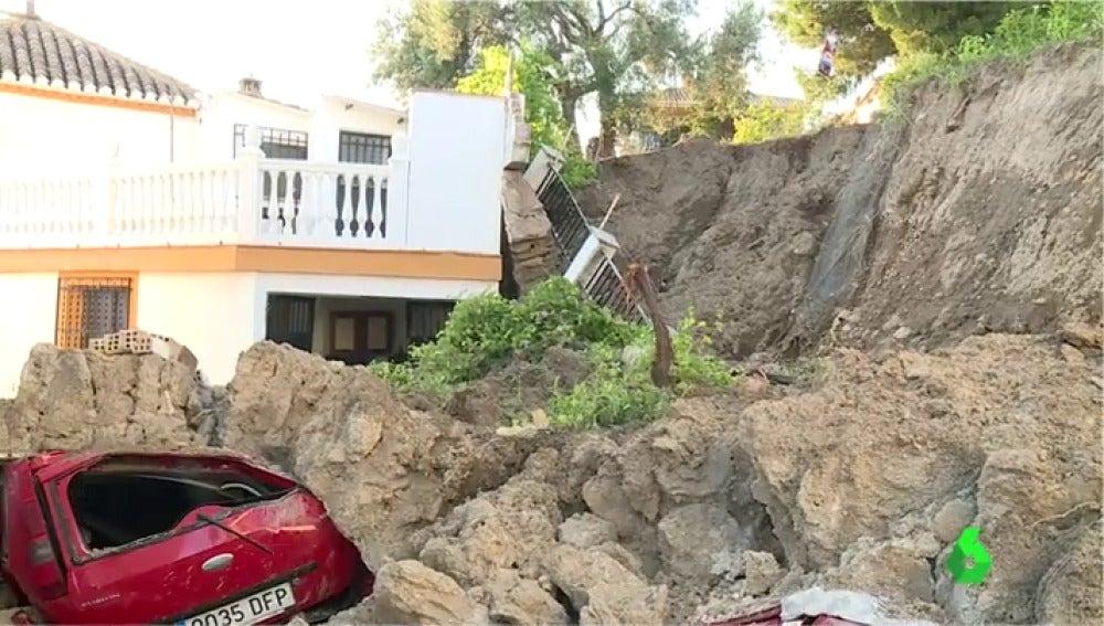 Coches sepultados en Granada