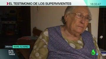Una ciudadana portuguesa llora tras el incendio