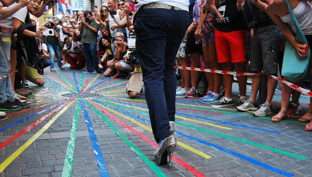 Carrera de tacones en la Calle Pelayo, Madrid